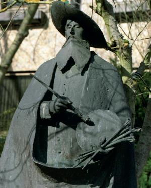 Ihrem berühmtesten Sohn hat die Stadt Kronach natürlich ein Denkmal gesetzt: Auf dem Marktplatz wird der Besucher der oberfränkischen Stadt von Lucas Cranach d. Ä. begrüßt.
