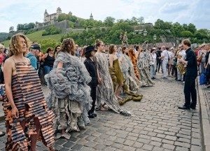 Feminismus auf der Alten Mainbrücke