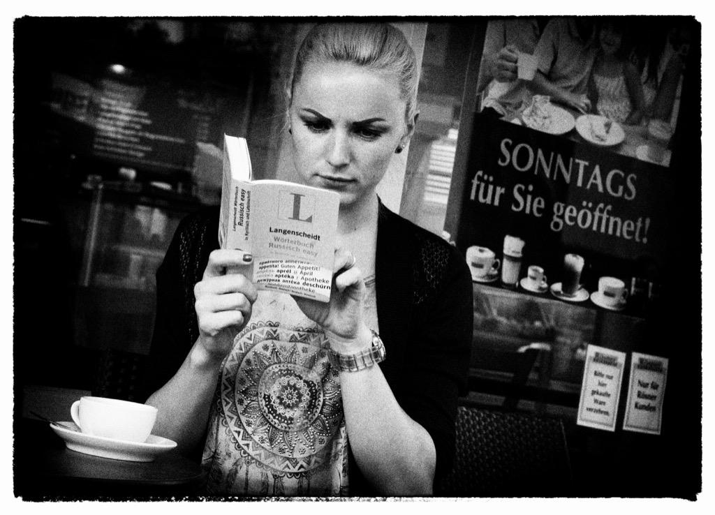 Für die bayerische Polizei ist die junge Frau auf jeden Fall ein Gewinn:  Sie spricht vier Sprachen. Russisch, Ukrainisch, Englisch und natürlich Deutsch. Eine Qualifikation, die gebraucht wird.