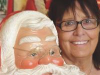 Schottische Weihnachtsmänner tragen Karo
